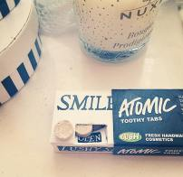 Lush Atomic Toothy Tabs - open