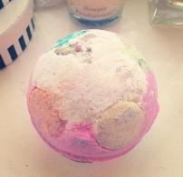 Lush Luxury Lush Pud Bath Bomb