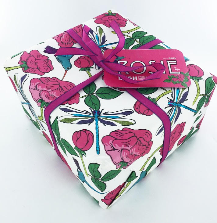 Lush's Rosie Gift Box: A Rose-Themed Gift Set for Girls | Review ...