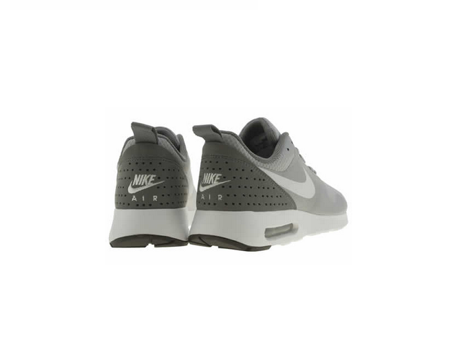 Nike Air Max Tavas Trainers in Light Grey 2d05a2aa9fb1